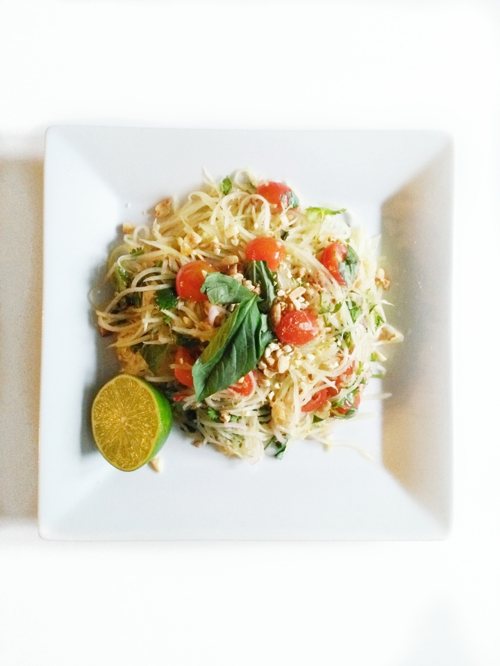 Thai Papaya Salad – Vegan Friendly