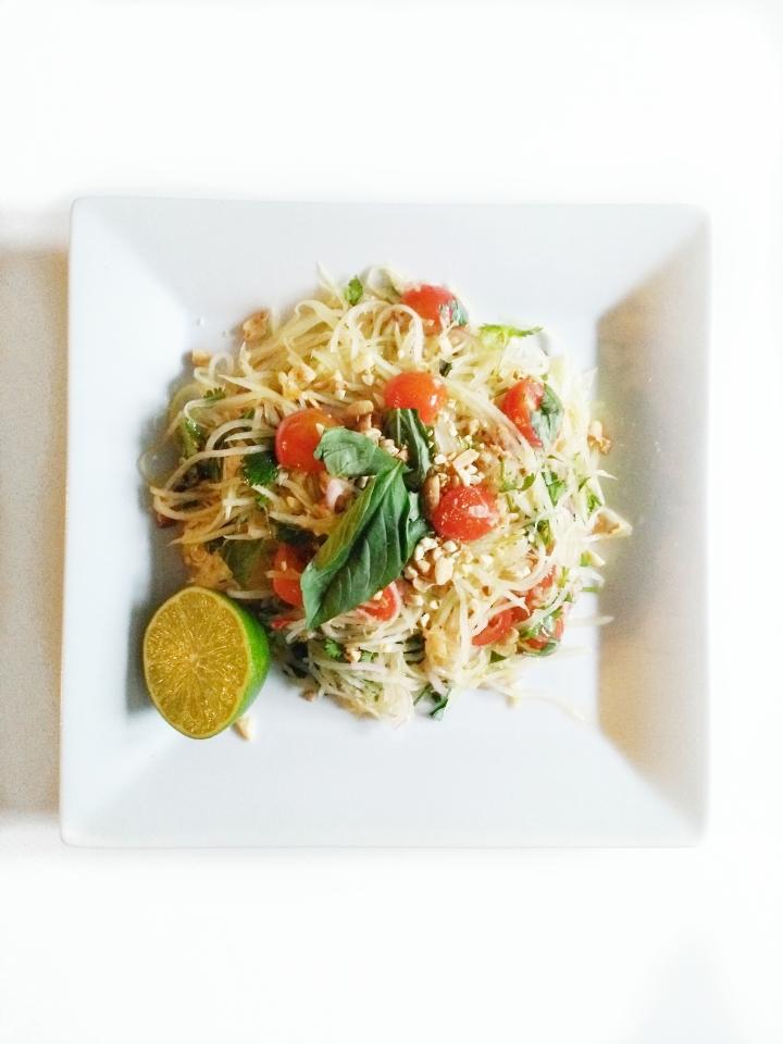 Thai Papaya Salad – VeganFriendly
