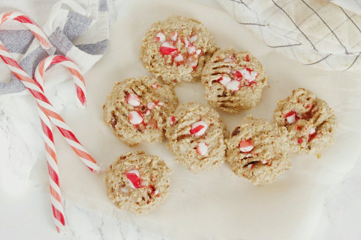 Vegan Candy Cane Oatmeal Cookies